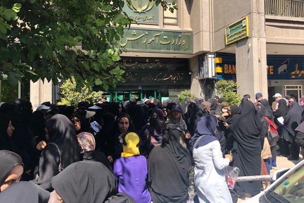 عضو کانون صنفی معلمان ایران :فقدان چارچوب تئوریک، به تشکلها آسیب میزند